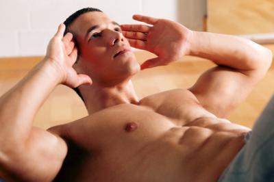 Sind Sit-Ups und Crunches schädlich für den Rücken?