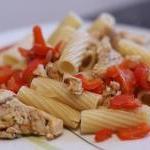 Putengeschnetzeltes mit Pasta und Paprika